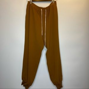Wilfred joggers size L